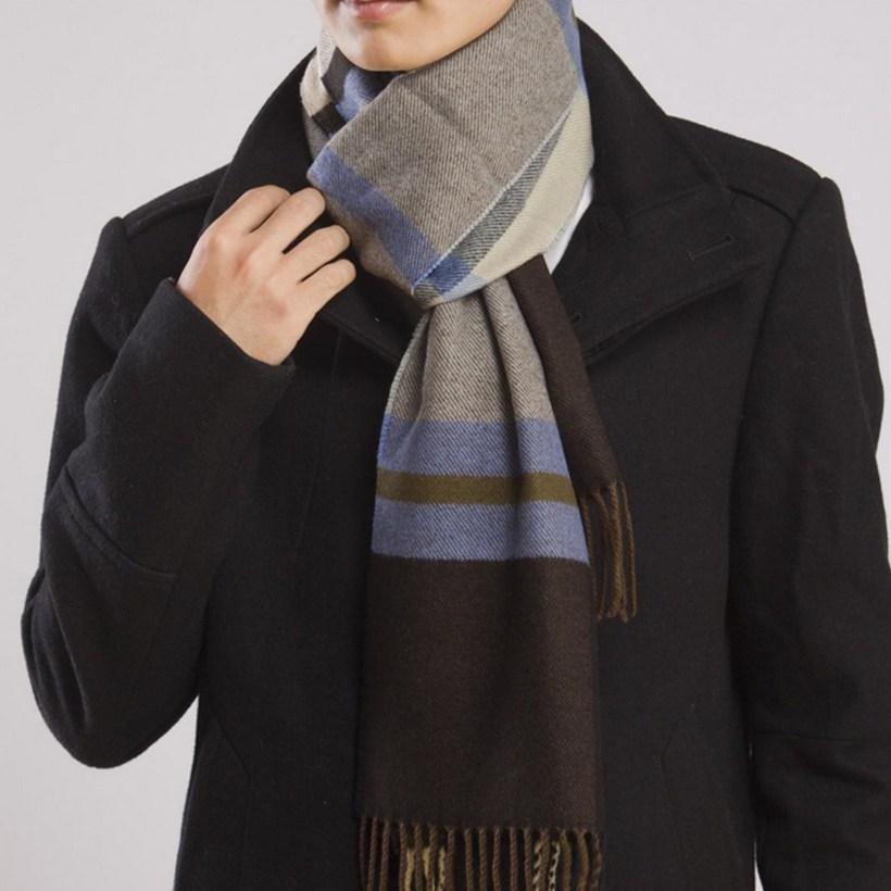 Кашемировый мужской шарф с пальто