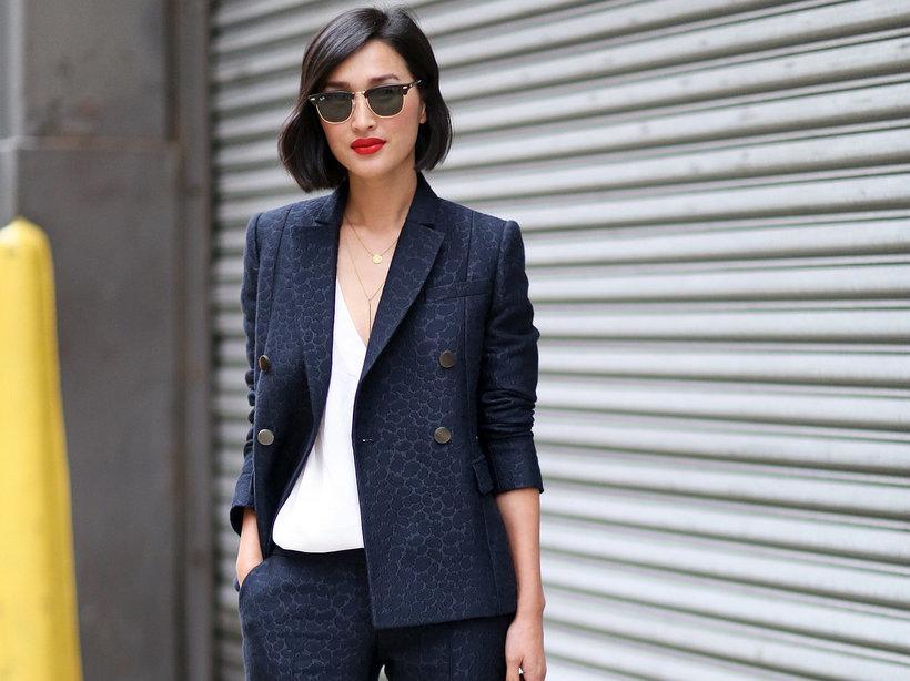 Как одеться молодой девушке на работу к чему снится девушка работы