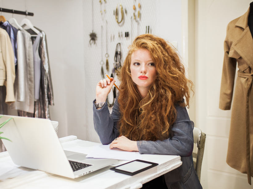 Нужен дизайнер одежды фриланс freelance schedule