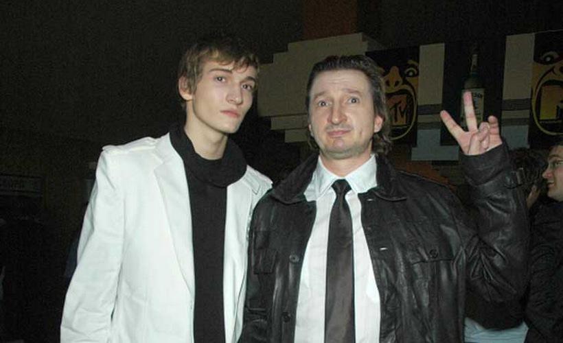 Александр лыков фото с женой и детьми